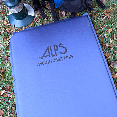 ALPS MOUNTAINEERING<sup>&reg;</sup> Lightweight Series Air Pad - This regular size inflatable multi-use pad measures 20